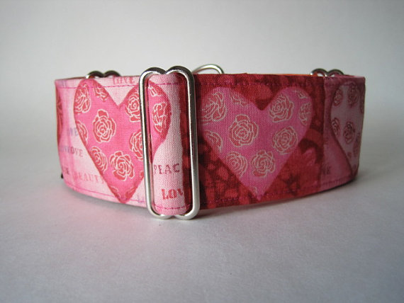 Hearts Martingale Collar