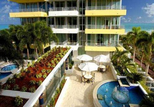 Hilton bentley beach hotel dog friendly hotel in miami for Dog friendly hotels miami